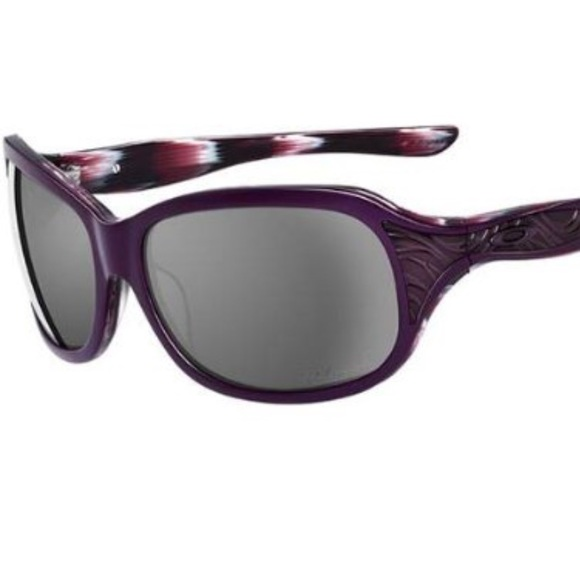 fbdaf191004 Oakley embrace Heritage Malta Sunglasses small. M 5b8323859264afbfaaa336ef